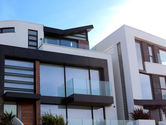 Mercato immobiliare: il lusso non conosce crisi, i dati di Tecnocasa