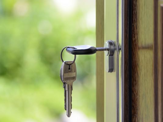Mercato immobiliare a rilento, salve solo Bologna e Milano