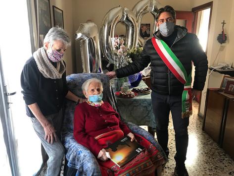 Nives compie 100 anni, con il marito Medoro ha gestito lo storico cinema Astra di Albinea