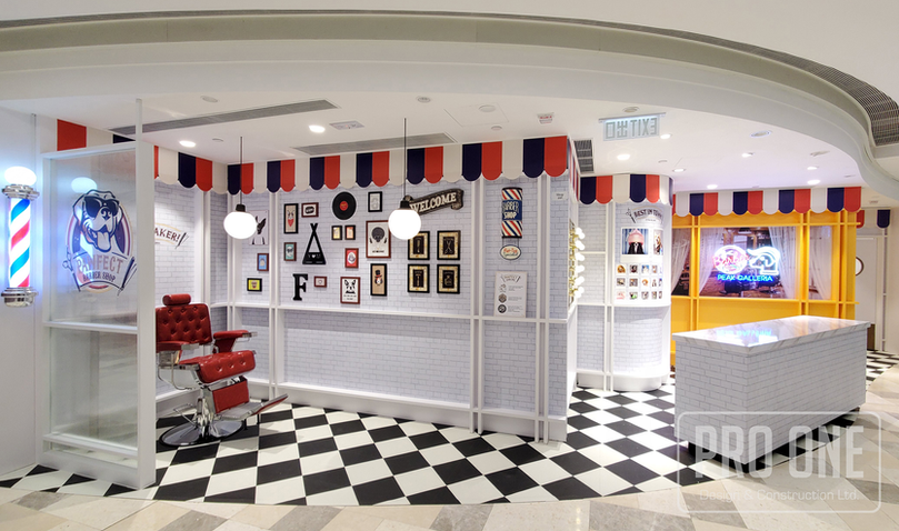 MALL POP-UP STORE