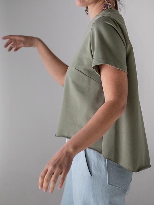 T-shirt asimmetrica verde salvia