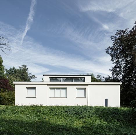 A világ első Bauhaus épülete, a Haus Am Horn Weimarban. A Georg Muche tervezte ház az 1923-as, egyhetes Bauhaus-kiállítás helyszíne volt Fotó: Tillmann Franzen / Klassik Stiftung Weimar