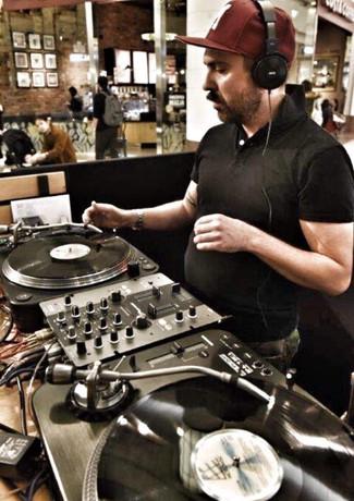 DJ mołotkin