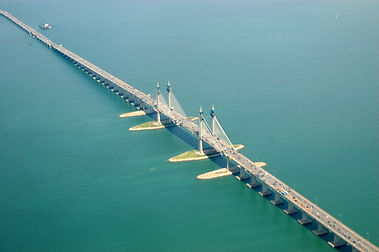 Penang_Bridge_in_extension.jpg