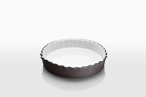 Monochrome Fluted Pie Pans