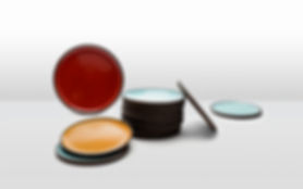 adama_plates_and_trays