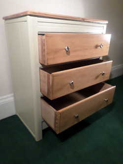 Paels chest, drawers open