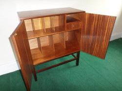 LP cabinet open drawer (2)