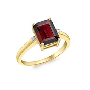 9ct Yellow Gold Garnet and Diamond Ring
