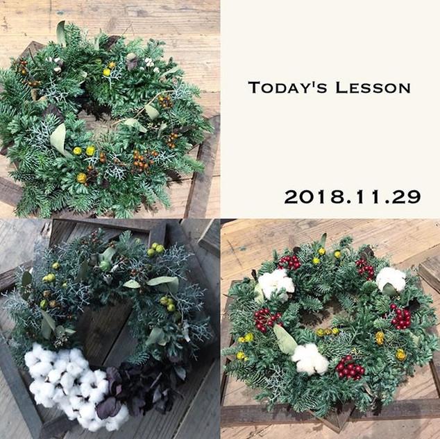 本日のクリスマスリースレッスンの作品です‼︎高校からの友達が作りに来てくれました
