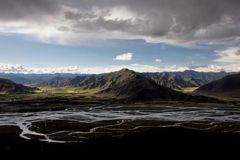 Vista do Monastério de Ganden, Tibet 2014
