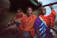 Olhar do Guerreiro e Guerreira Maasai. Maasai Mara, Tanzânia 2015.
