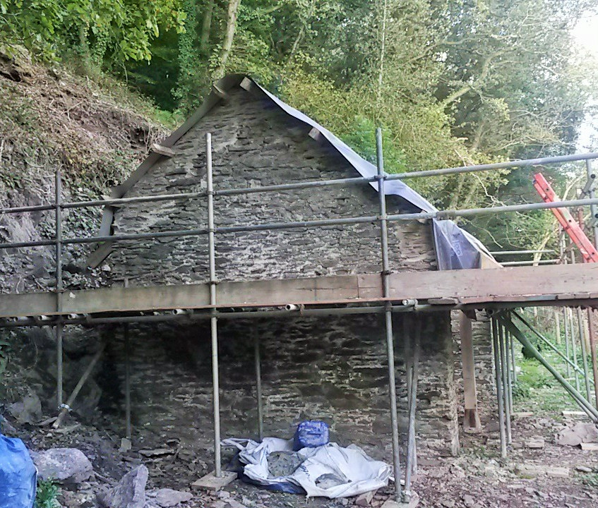 Off grid holiday cottage