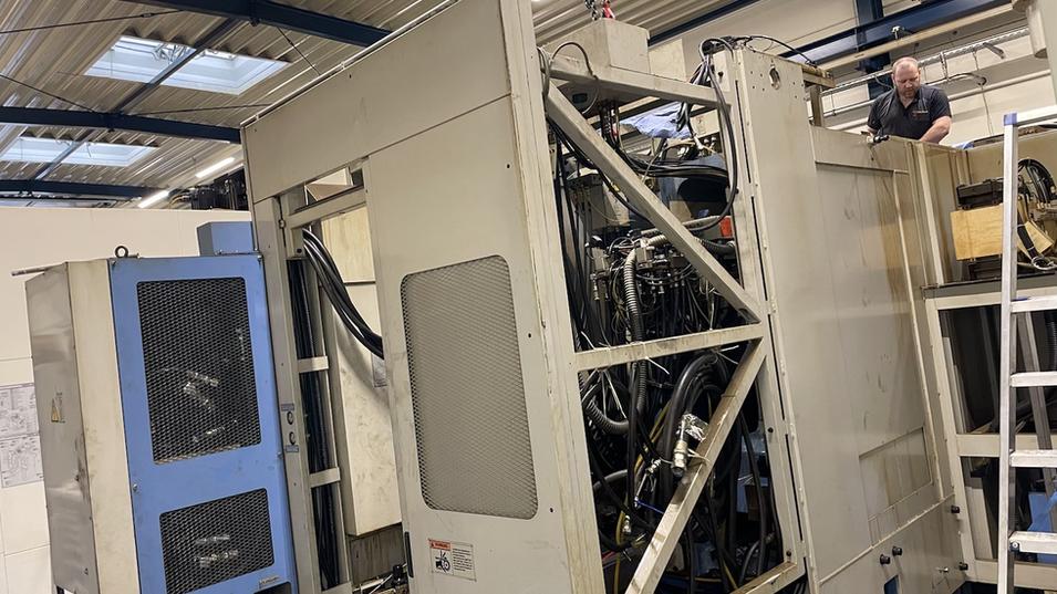 Arbeiten am Mgazin einer FH-680