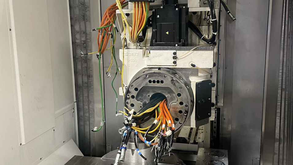 Mazak VTC-800/30SR B-Achse undicht