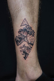 Kanagawa wave tattoo