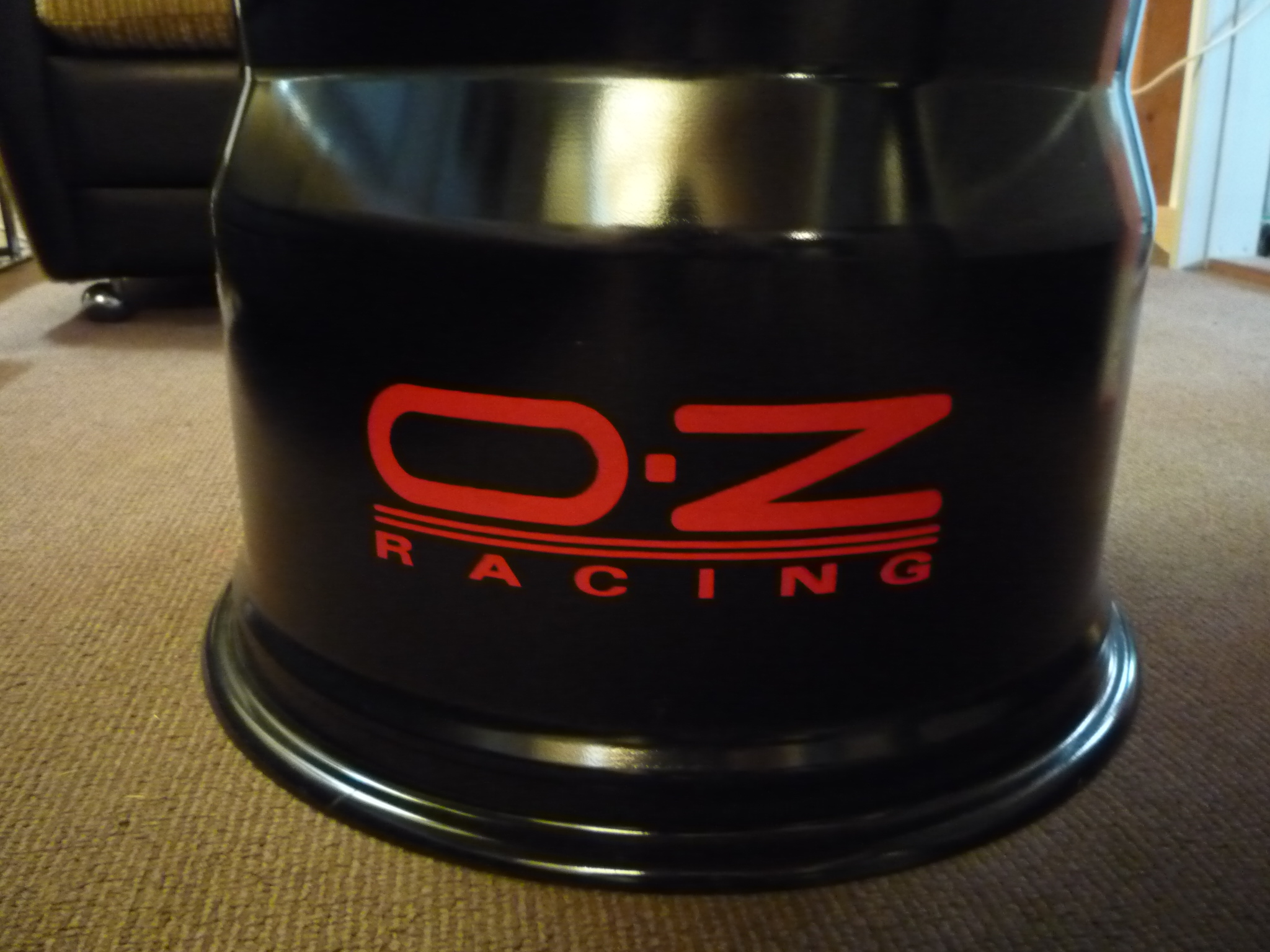 OZ Racing - Clubtisch