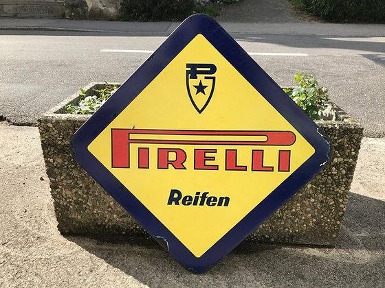 Pirelli-Emailschild