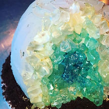 New recipe! My geode cake went down a storm at _makerfaire_uk last weekend, now you too can recreate