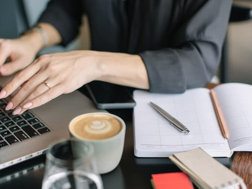 What is a Virtual Assistant and How do I Become One?