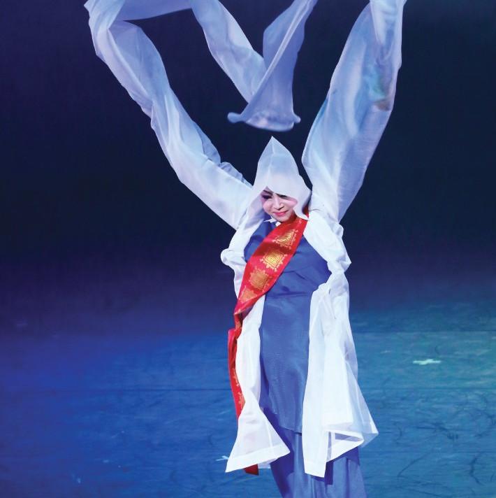 Danse de moine bouddhiste!