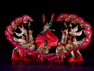 Spectacle de la danse traditionnelle à l'Entrepôt au Haillan 뿌리 공연단