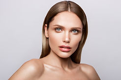 beauty-portrait-model-with-natural-make-