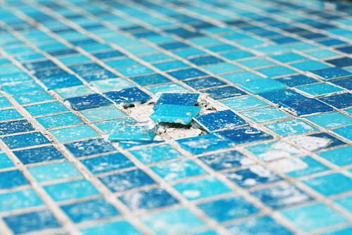 pool-tile-repair.jpg
