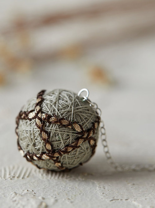 Luna Stripes Necklace Beige