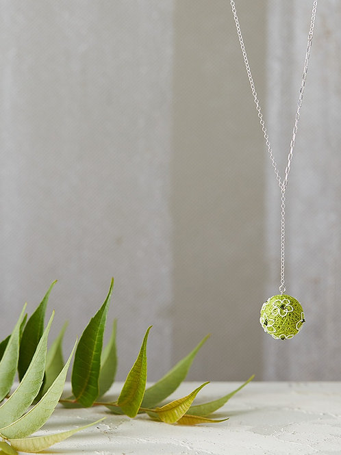 Luna Flowers Necklace Lime