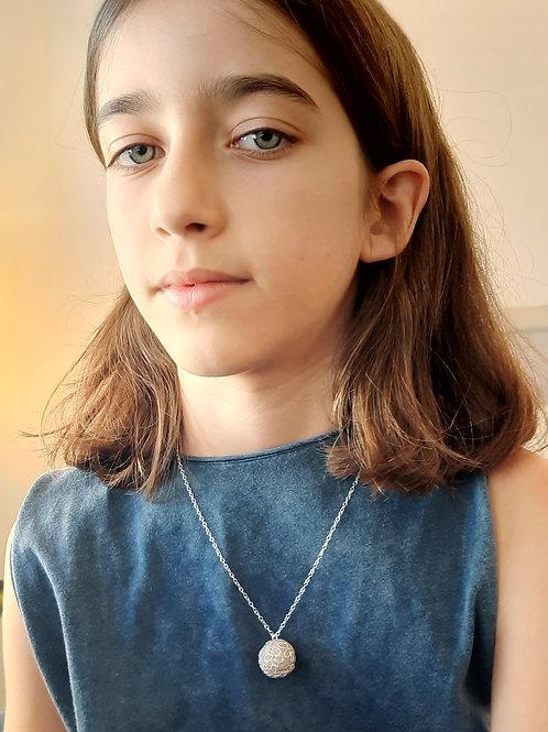 Ivory Dots Necklace
