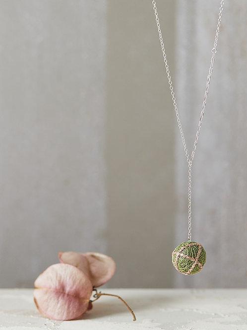 Luna Stripes Necklace Olive