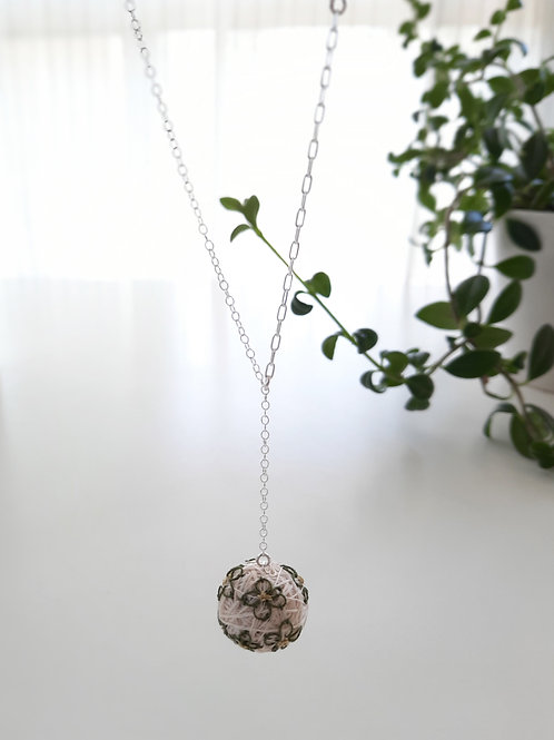 Ivory Flowers Necklace