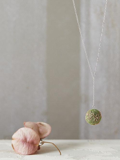 Luna Flowers Necklace Olive