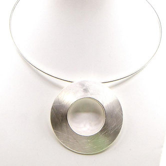SARAH TEMPEST -  Open ring pendant necklace