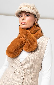 Pia Rossini Faux Fur Collar