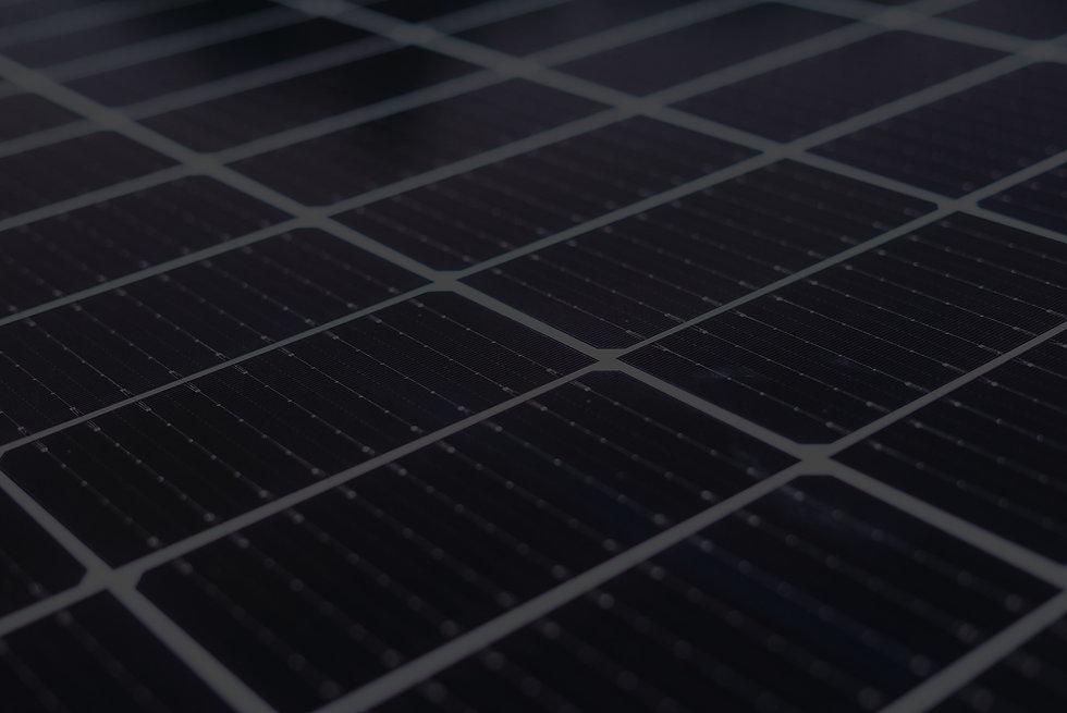 panel-paneles-solares-pv-panel-trackers-limpieza_edited.jpg