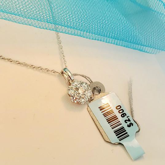 White gold flower pendant