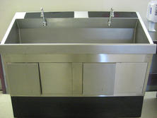 Mobile scrub sink