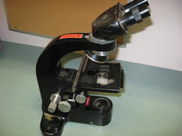 Medium size microscope