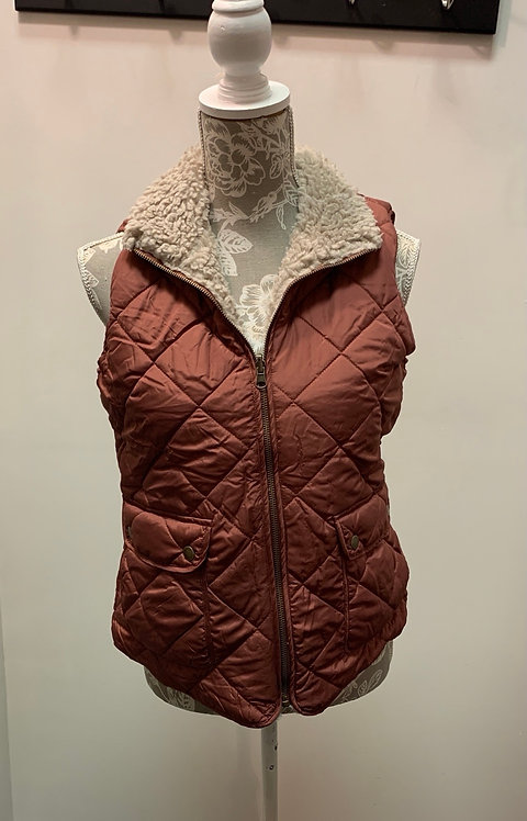 Reversible Vest in Cinnamon/Fuzzy