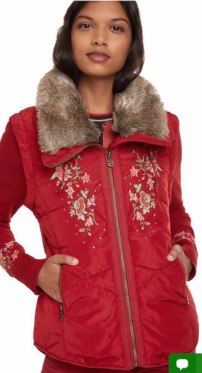 Winter jacket with removable sleeves