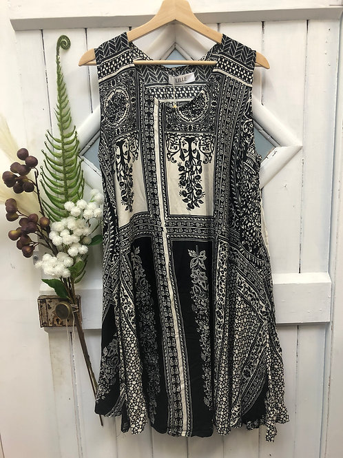 Boho Hippie Dress Mid Black White