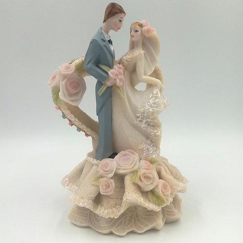 Фигурка свадебная на торт