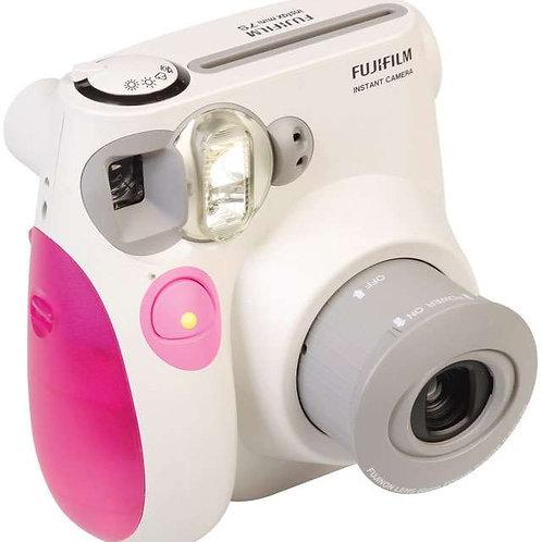 Фотоаппарат полароид в сумочке