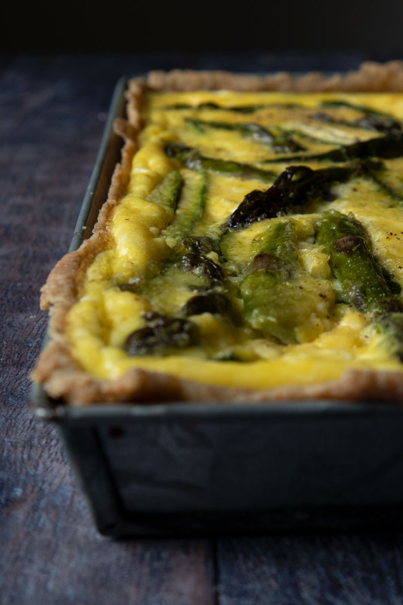 Vegetarian tart with asparagus and zucchini