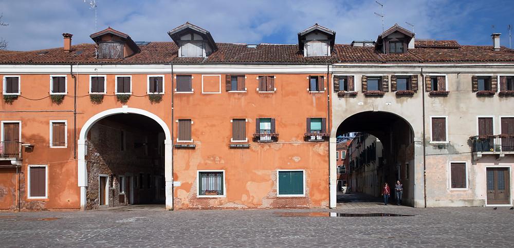 Venice off the beaten path | Castello | Sotoportego de le Colonne