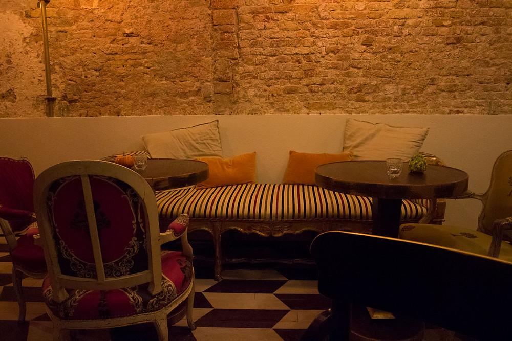 Wine and Cocktail Bar in Rialto Venice | Shiraz