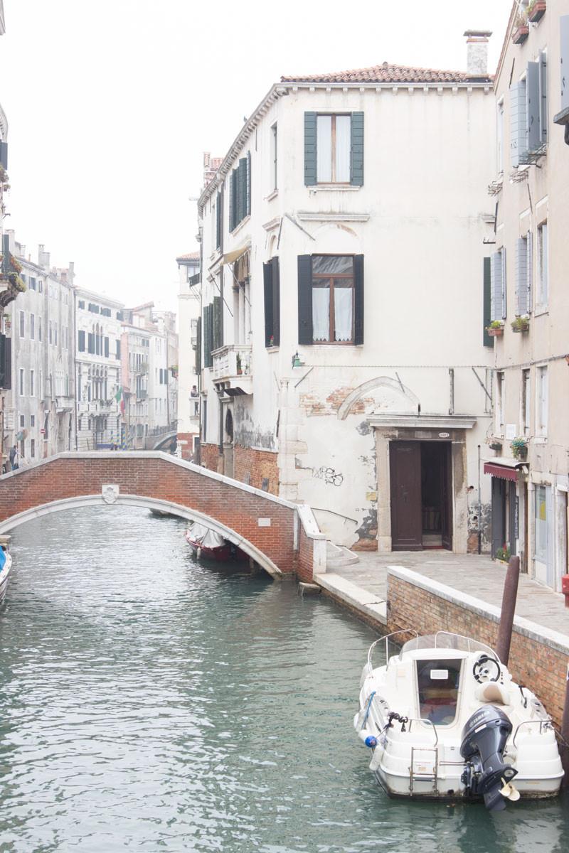 Quality wine and cicchetti in Venice (Italy): Ossi di Seppia