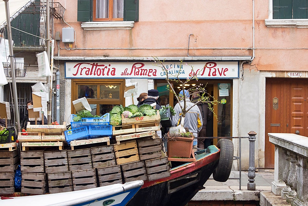 Eating in Via Garibaldi | Budget eats in Venice Italy